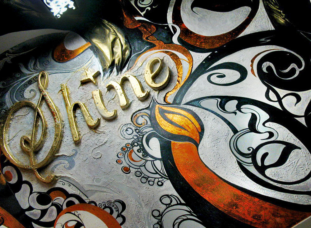 "Interior Wall Decorations and Ceiling Designs in The Night Club ""Shine"""