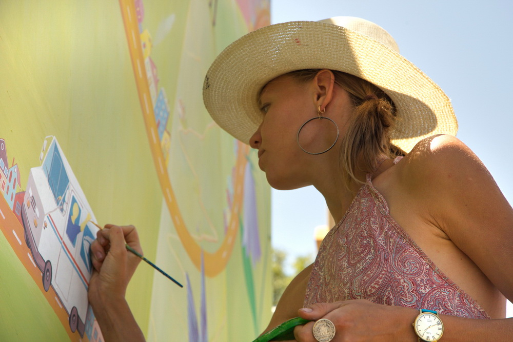 Yulia_Avgustinovich_Lakewood_CO_Mural_For_West_Colfax_Mural_Fest_12