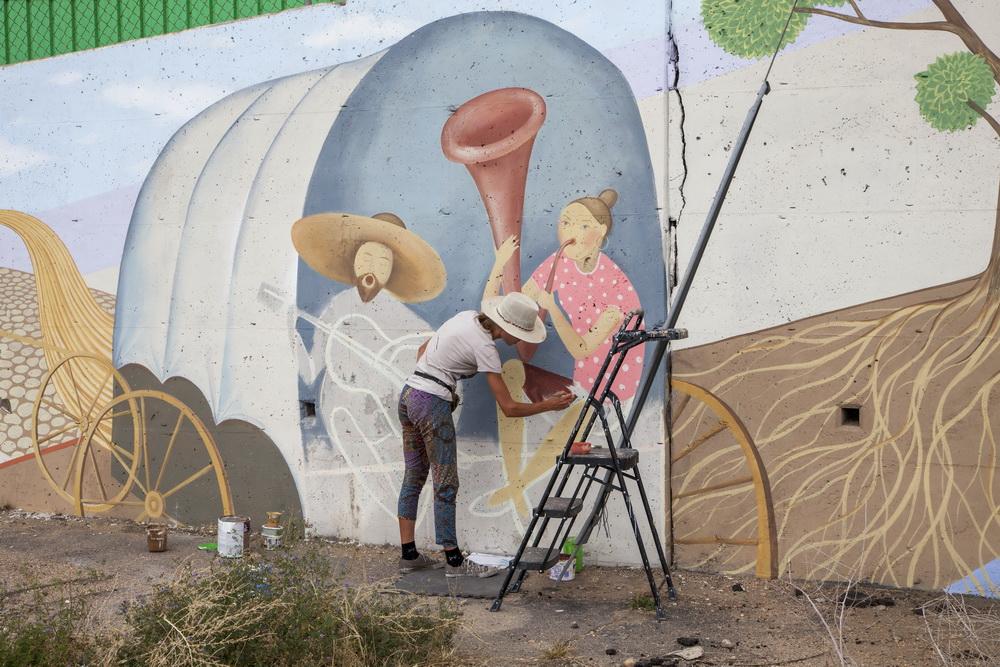 Denver_Mural_Viva_Colorado_W_Alameda_Santa_Fe_I-125_Wall_Mural_Yulia_Avgustinovich_State_Symbols