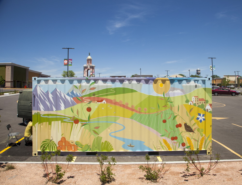 Farmers_Market_Mural_Painting_West Colfax_ Lakewood_Yulia_Avgustinovich_Denver_Muralist