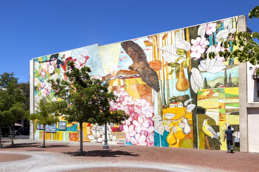 Yulia_Avgustinovich_Denver_Muralist_Medford_Oregon Mural_Historic_Floral_Colorado_Public_Art